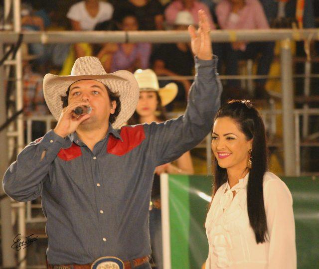 Fagner Rangel e Greicy Cordeiro, Presidenta do Rodeio de Castanheira