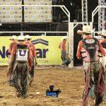 competidores saíndo da arena