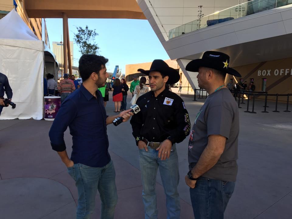 Equipe Entrevistando João Ricardo Vieira em Las Vegas