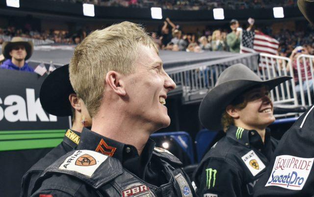 Momento que Davis recebeu a notícia que era campeão do mundo / Foto: PBR