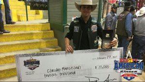 Marcelino com a fivela do título da semifinal - Foto: Reprodução